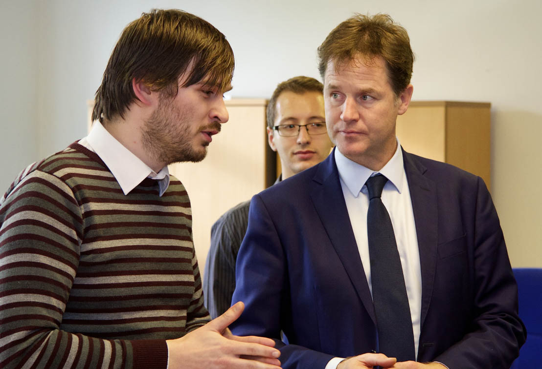 33409_33409_Sam-Haig-talking-about-fuel-cell-remanufacturing-with-Nick-Clegg.jpg