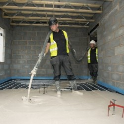 For Whistle PR. The process of underfloor heating and screening of a floor at a new build house in Tamworth.  Photo by Fabio De Paola/UNP