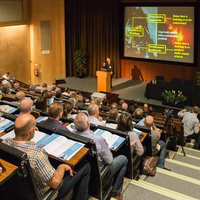 Auditorium_2408_mr