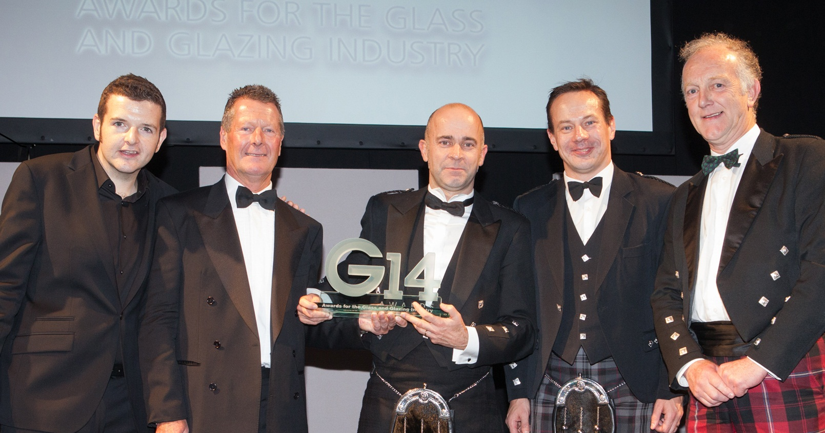 38118_Brian-Baker-Presents-GGF-G14-Award-Glass-Company-of-the-Year-Ravensby-Glass.jpg