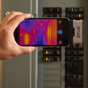 FLIR Systems thermal imaging camera img 2