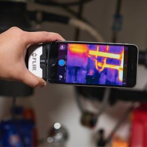 FLIR thermal imaging camera img 1