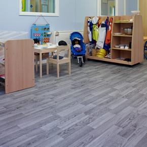 Polysafe Wood fx PUR vinyl safety flooring
