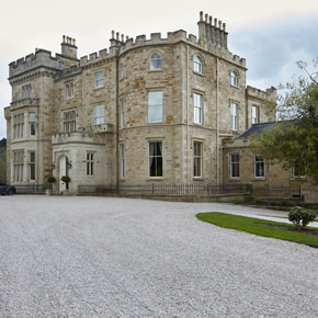 Crossbasket Castle benefits from Stannah Midilift SL installation
