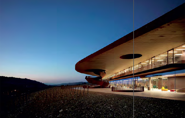 Antinori Winery located in Bargino, Tuscany. The building uses Pilkington Optiwhite T, Pilkington Optilam OW and Pilkington Optilam Therm S3 OW.