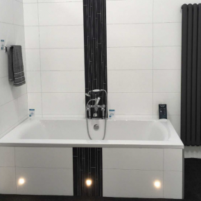 No End To High Fibo Quality Say Easy Bathrooms Buildingtalk Construction News And Building Products For Specifiers