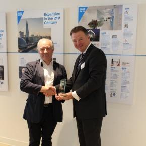 Tony Smith of Pilkington NSG receives Founder Members Award
