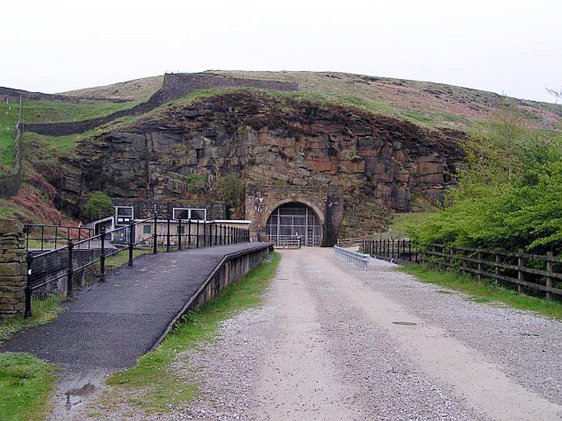 34835_Woodhead-Tunnel.jpg