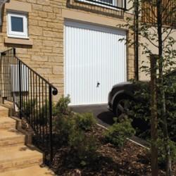 garador_carlton_up_and_over_garage_door
