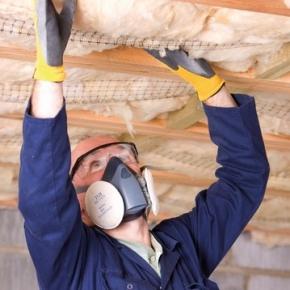 insulationinstallerwithmask-580x358_