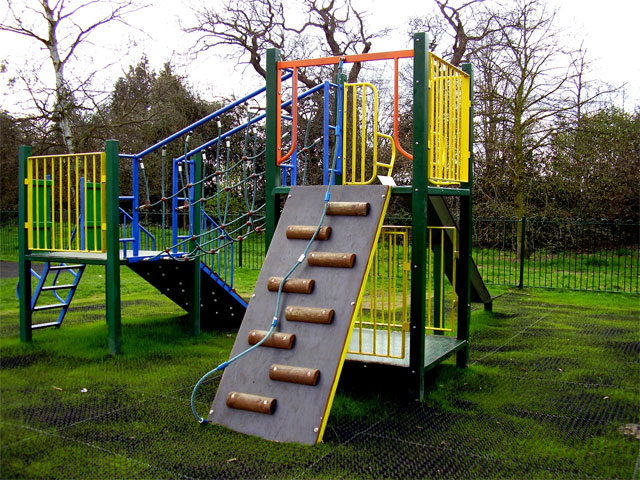 4 Key Considerations When Creating Outdoor Play Areas For