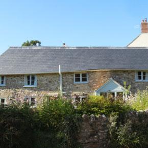 Bridge Cottage in Devon, featuring Cembrit's Duquesa natural grey slates