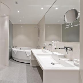 Dupont Corian used in the bathroom of a Holiday Inn room