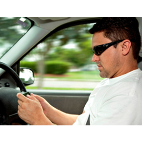 Dangerous driving: using a mobile phone at the wheel