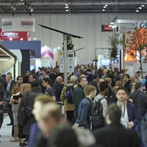 Ecobuild17_Day1 crowds