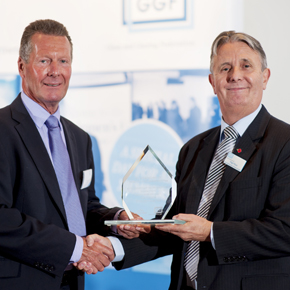 GGF Nigel Rees Presents Brian Baker Saint Gobain 350th Award