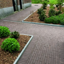 Penter tumbled clay pavers
