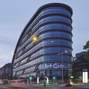 Reynaers launch updated aluminium Concept Wall 50 High Insulation