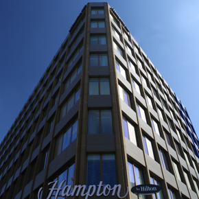 Senior's aluminium window system at the Hampton by Hilton hotel
