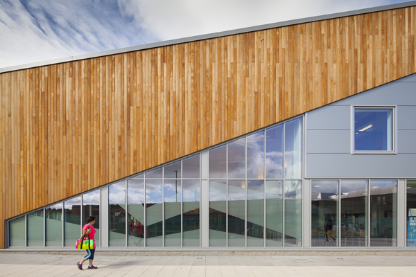 The new Washington Leisure Centre offers a range of facilities including a six-lane 25m pool and a learner pool with two hydro slides, a four-court sports hall and sauna and steam rooms. In addition, there are a soft play area and an additional multi purpose hall suitable for high-level trampoling training.
