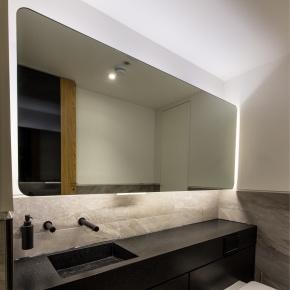 Washroom self-contained superloos